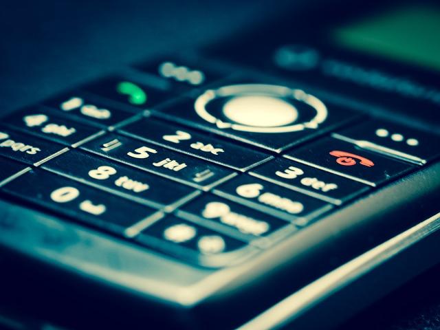 Prvý skladací smartphon sa objaví na trhu pravdepodobne už tento rok