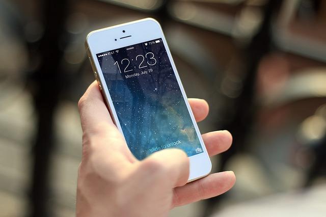 Chytrí telefón od Apple.jpg
