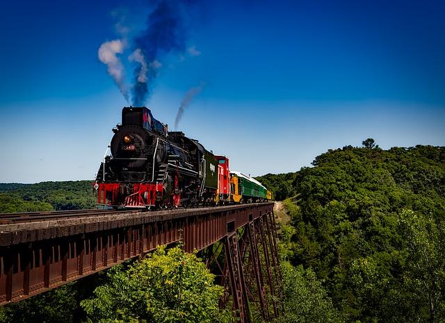 vlak na moste.jpg