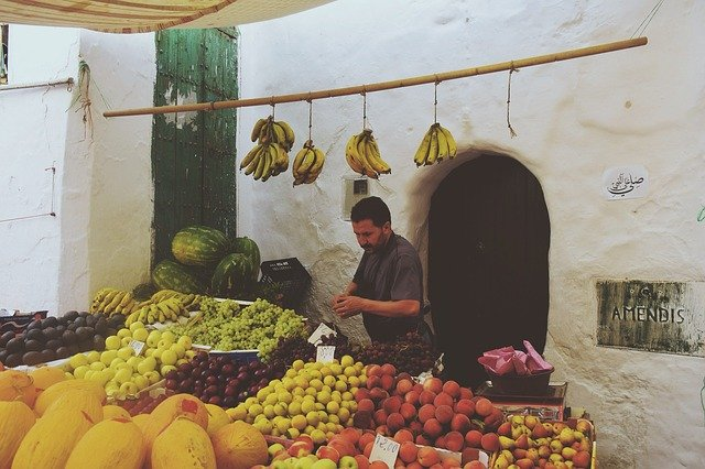 Predavač ovocia a zeleniny.jpg