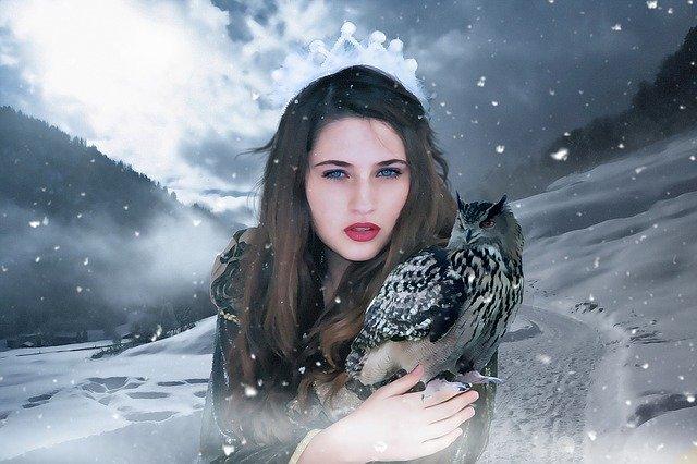 Žena, modelka, zimné pozadie