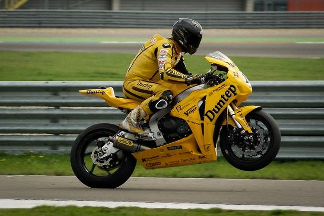 Skráťte si čakanie na motorkársku sezónu!